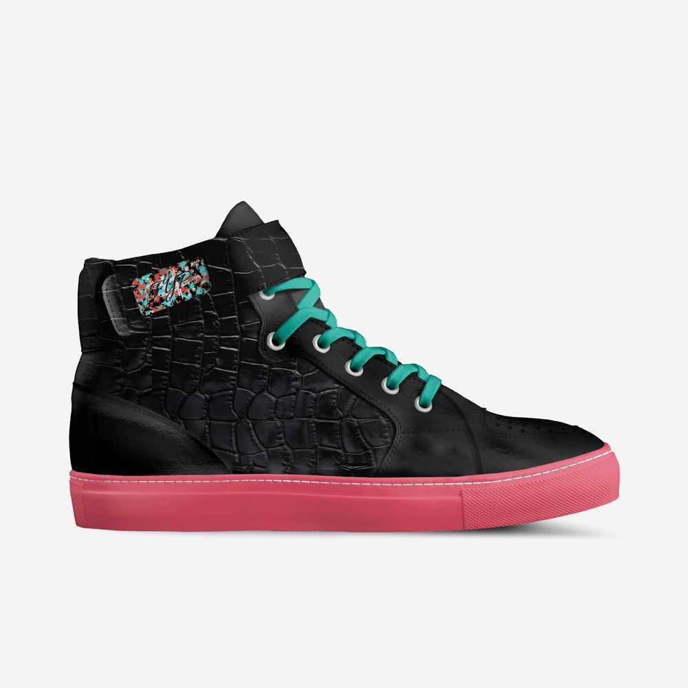F.yp-shoes-side-e6c52c377cf141f3a910787e4df3c35
