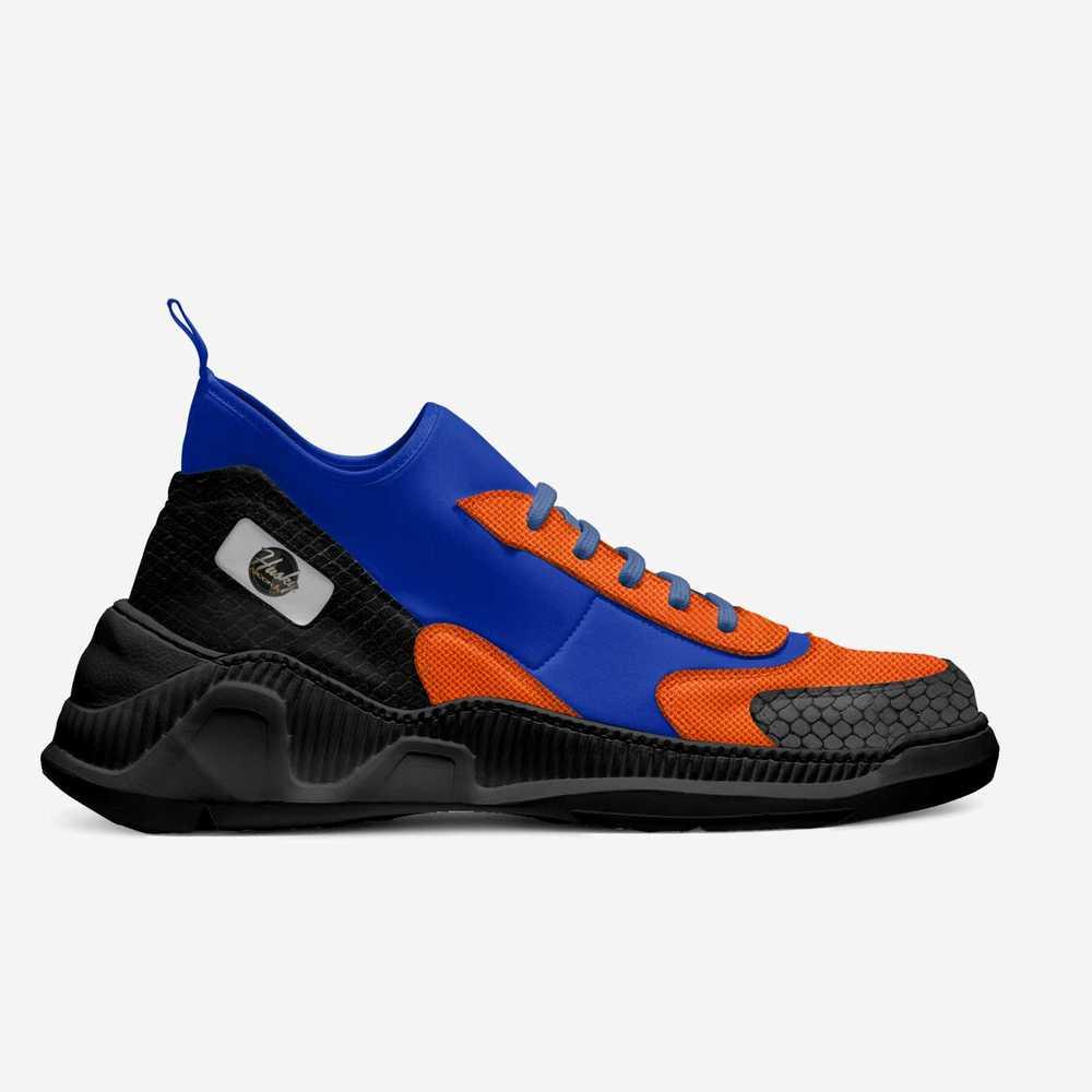 Husky_215_edition_-shoes-side-7929c7545b30cddb72302bc773cf69b
