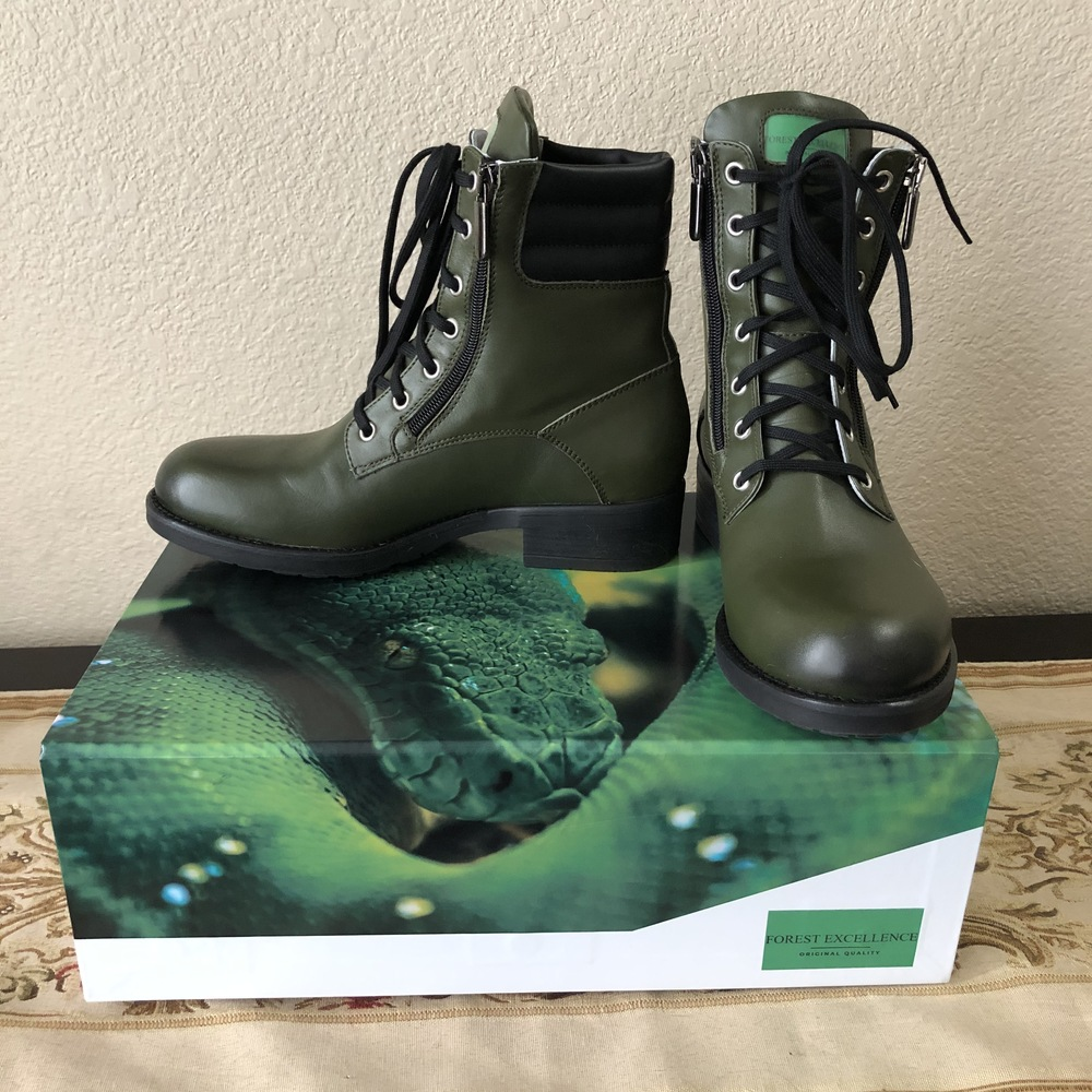 Forest_ex_boots_and_box-0bd5f8a2baf87f12b73b66fa7589eac