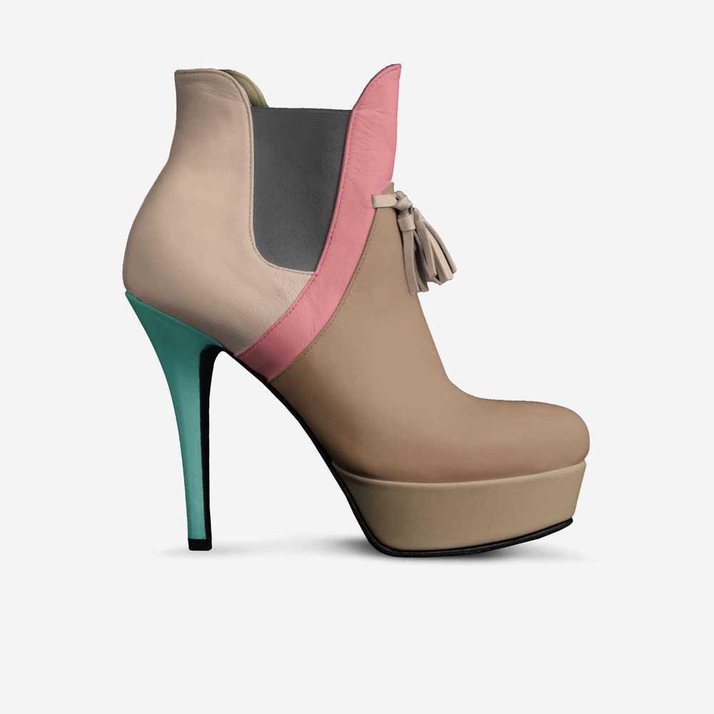 Vina-shoes-side-d2560d09e68fe2014dc62387e5ad11a
