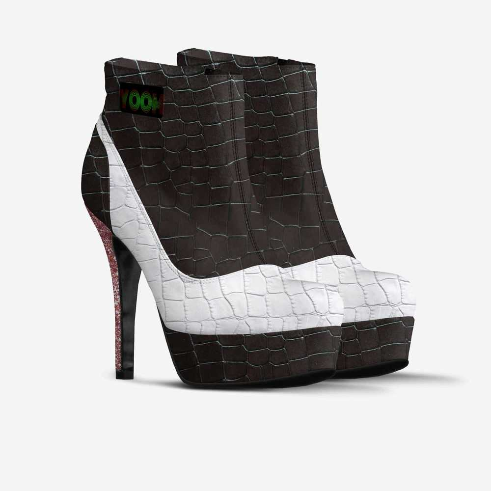 Yoom-shoes-double_quarterjhn-7b85c335c98fde0aaad47b568c81689