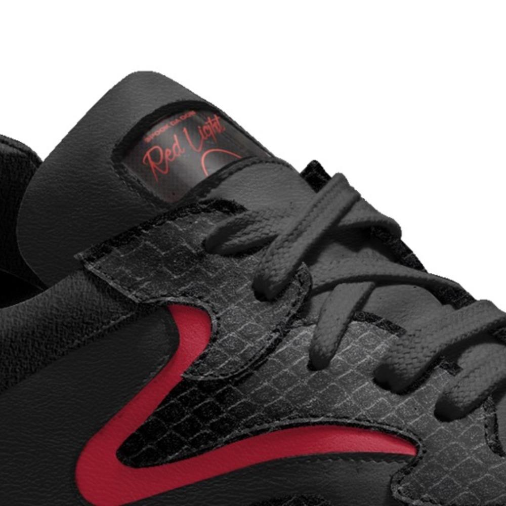 Red-lights-1-shoes-detail-a5c2e34b9f34f2845591b2f4e1b8906