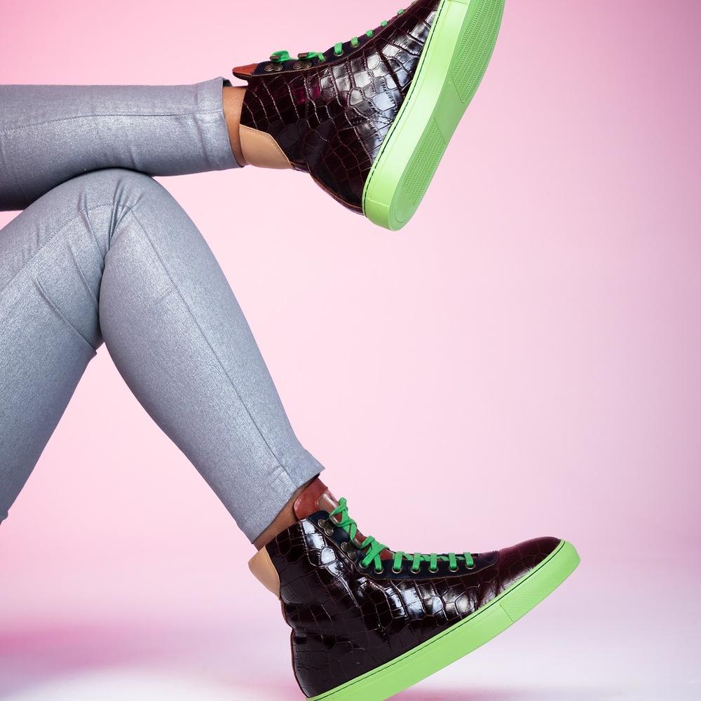 Shoeshoot-975-c7d52a241dc2b783c16fd3b9836c265