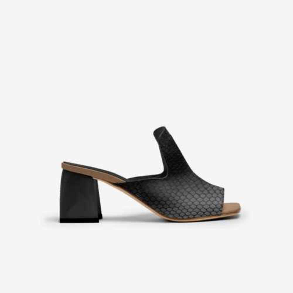Wisetoes-sandal-side-cac9c778378abdc9e03f09615c5eaf9