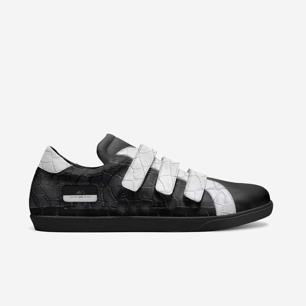 Mel's-shoes-side-ae1cf2934e1739697ba3132a6ddd5f0