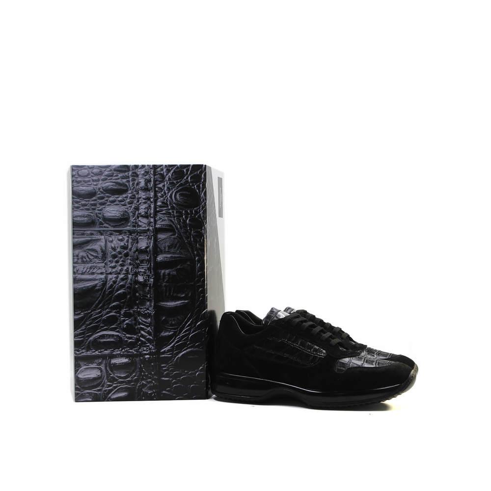 10_-_shoe_and_box_(1)-4e0bb69915179039928d811cc0e2451
