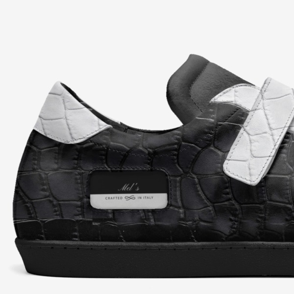 Mel's-shoes-detail-ae1cf2934e1739697ba3132a6ddd5f0