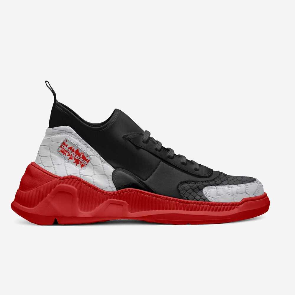 Tr_-_pip_maker-shoes-side-e6c52c377cf141f3a910787e4df3c35