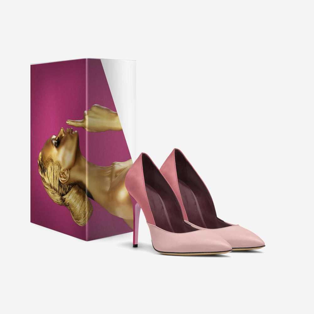 Matriarch-shoes-with_box-d2560d09e68fe2014dc62387e5ad11a