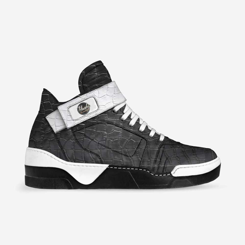 Husky_mega-shoes-side-7929c7545b30cddb72302bc773cf69b