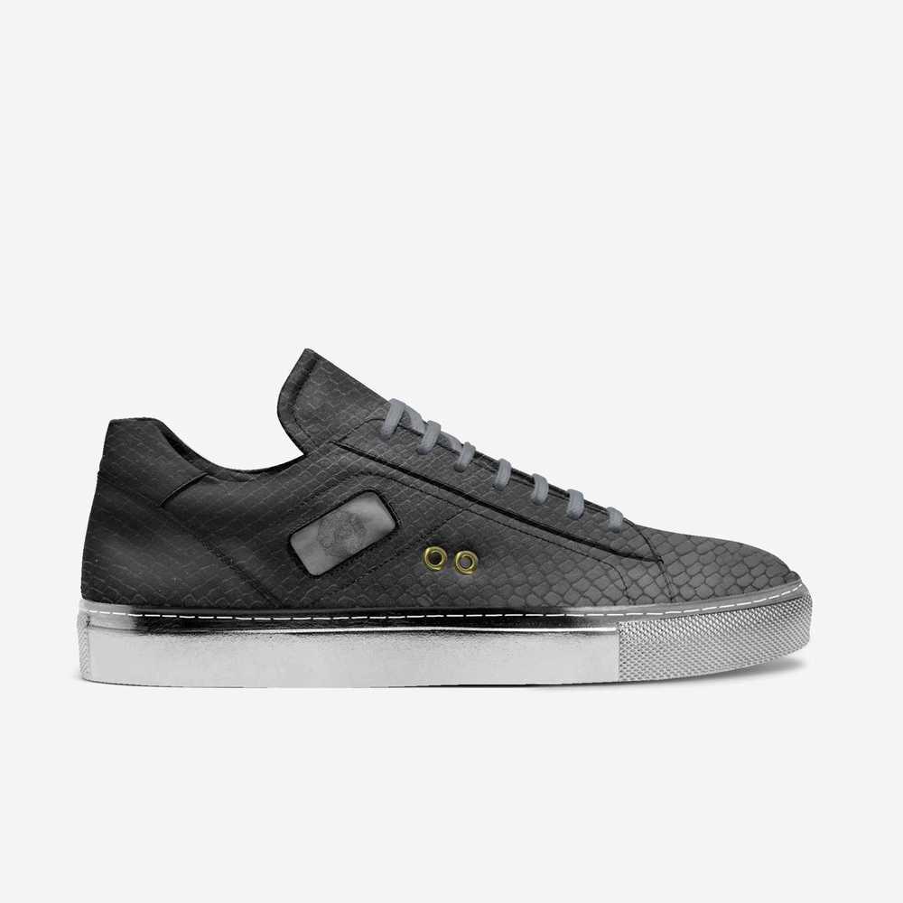 Cash-shoes-side-e6c52c377cf141f3a910787e4df3c35